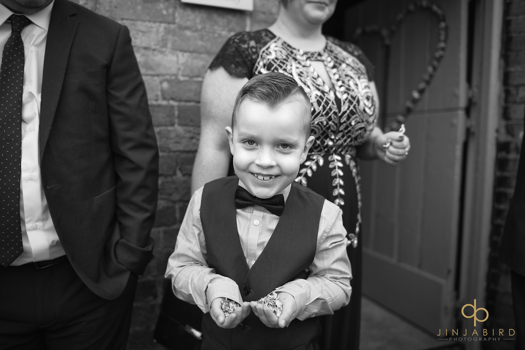 pageboy-with-confetti