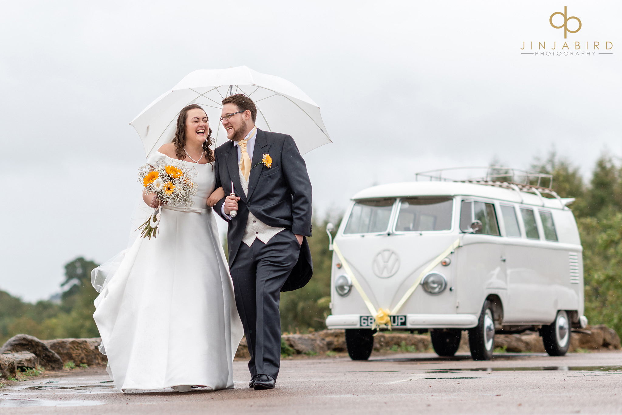 documentary wedding photographer hellidon lakes