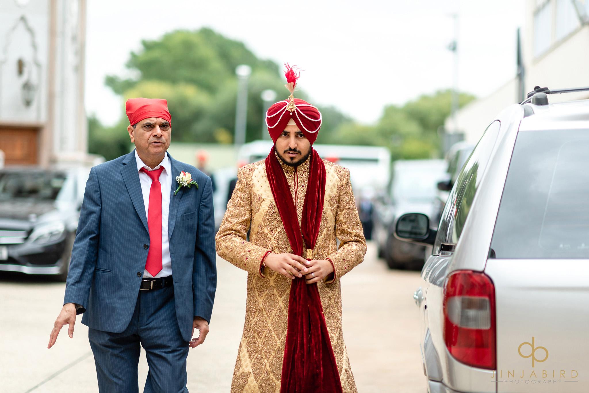 groom arriving at bedford gurdwara