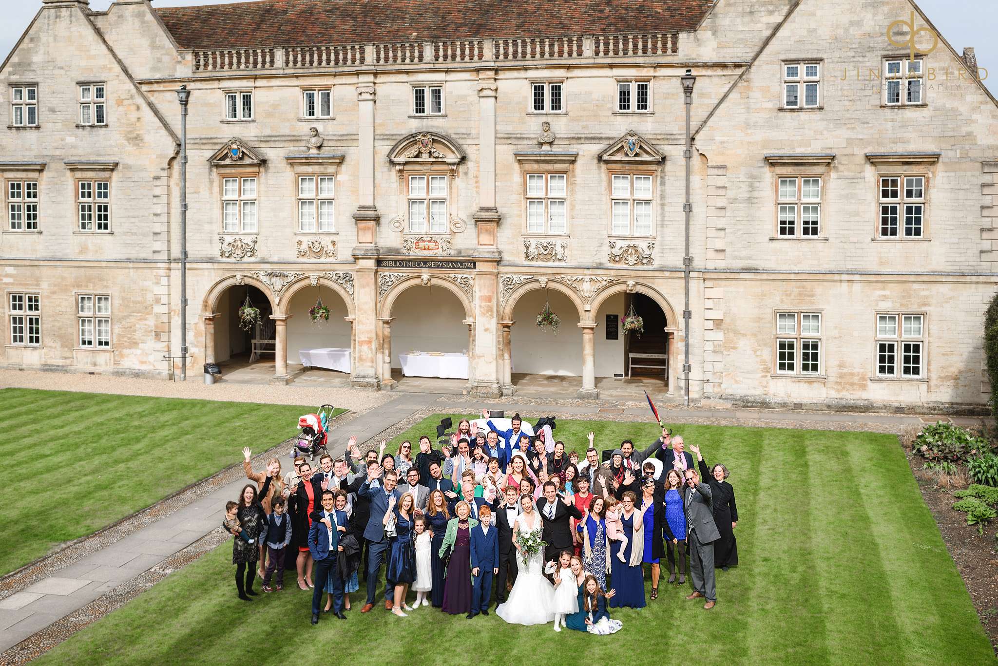 group photo at wedding magdalene college cambridge