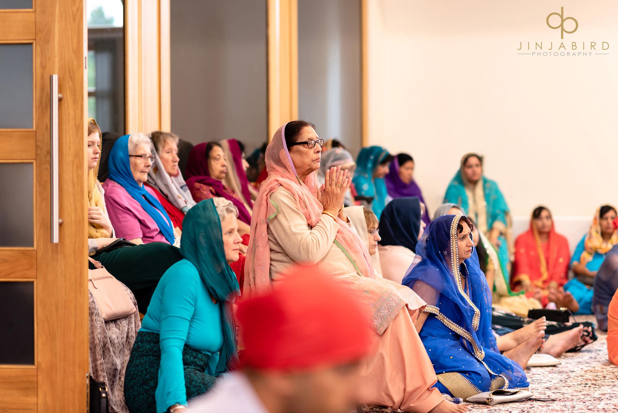 sikh women at wedding