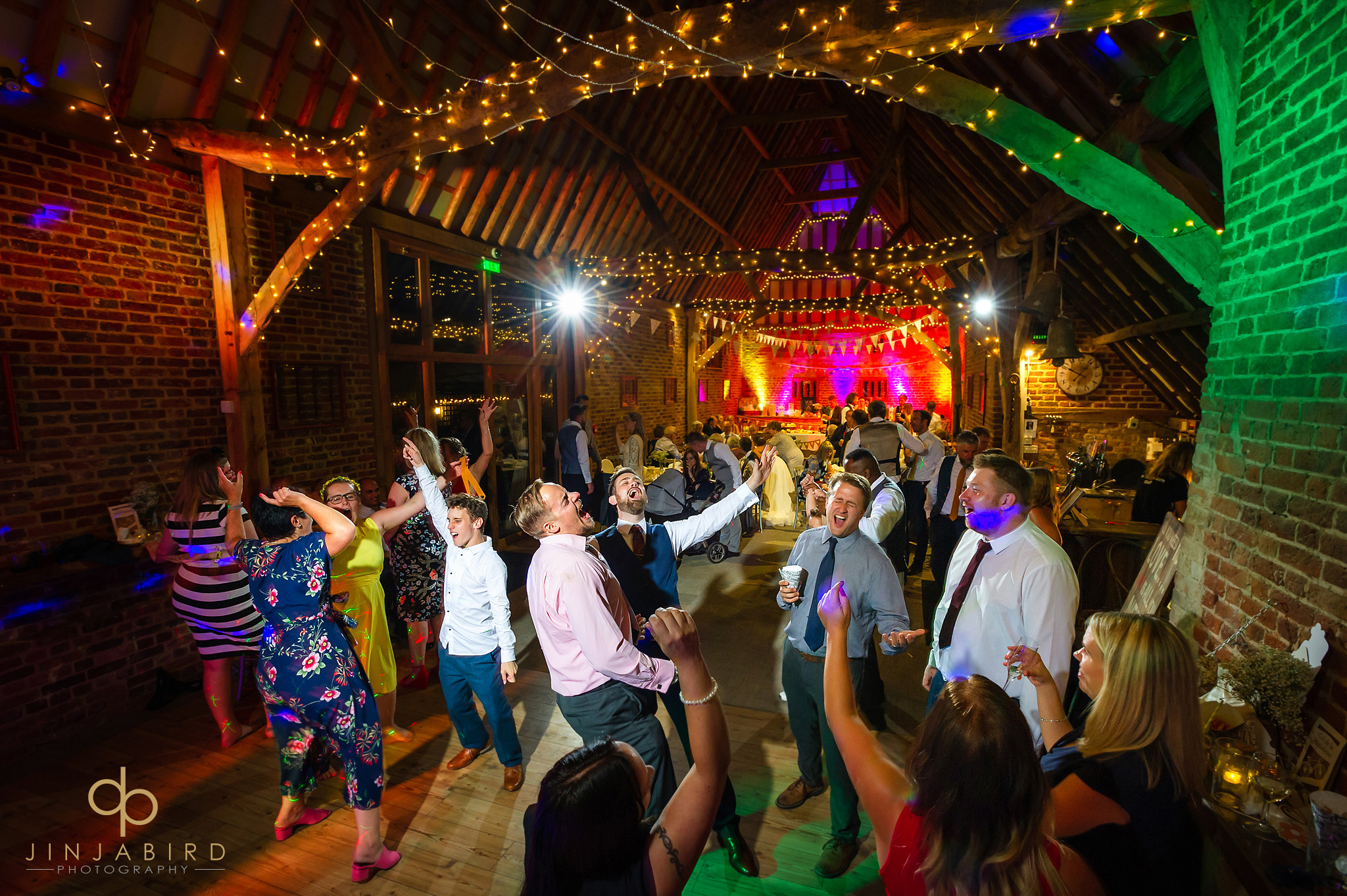thatch barn yelling wedding photographer