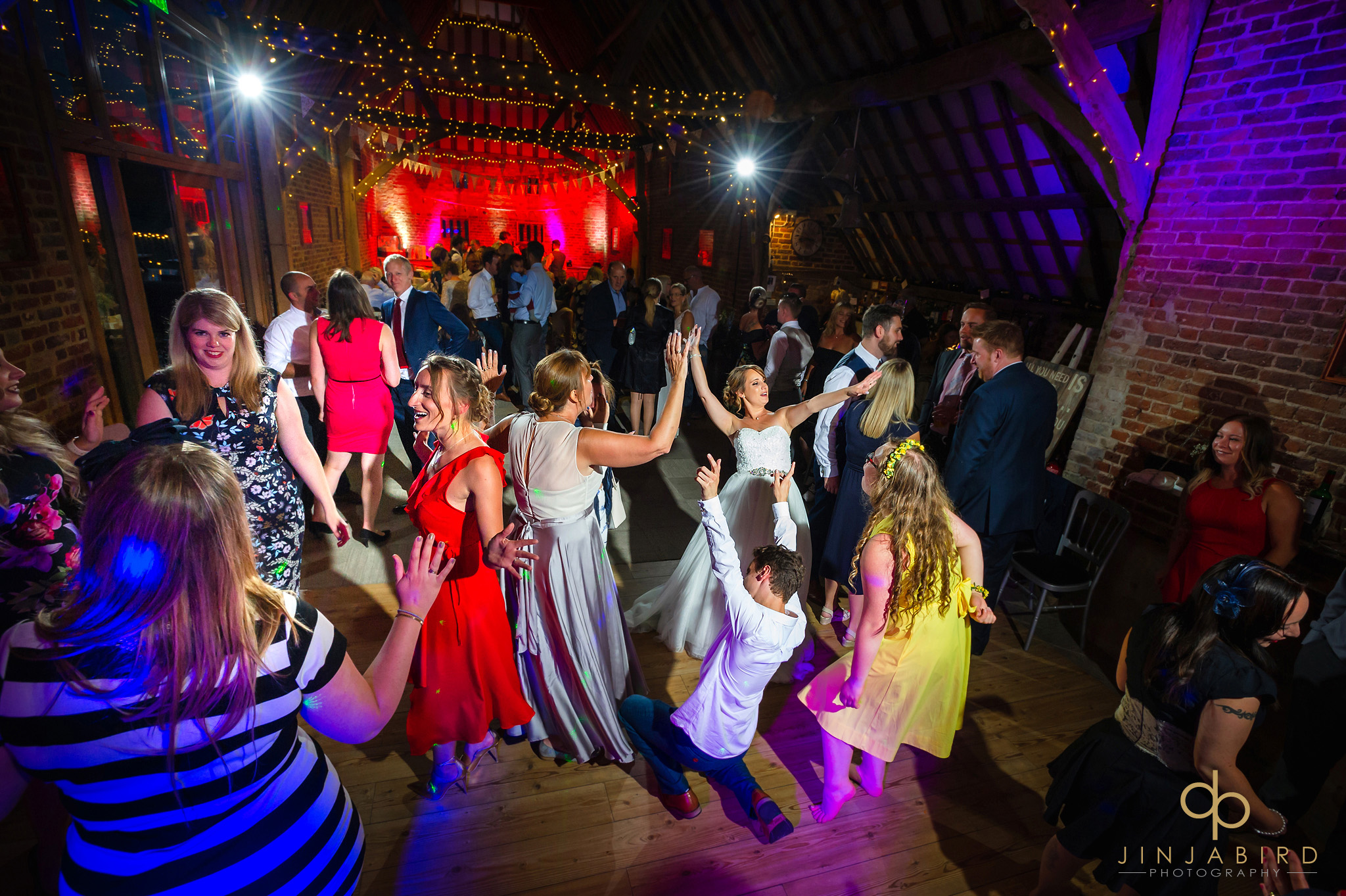 thatch barn yelling wedding photography
