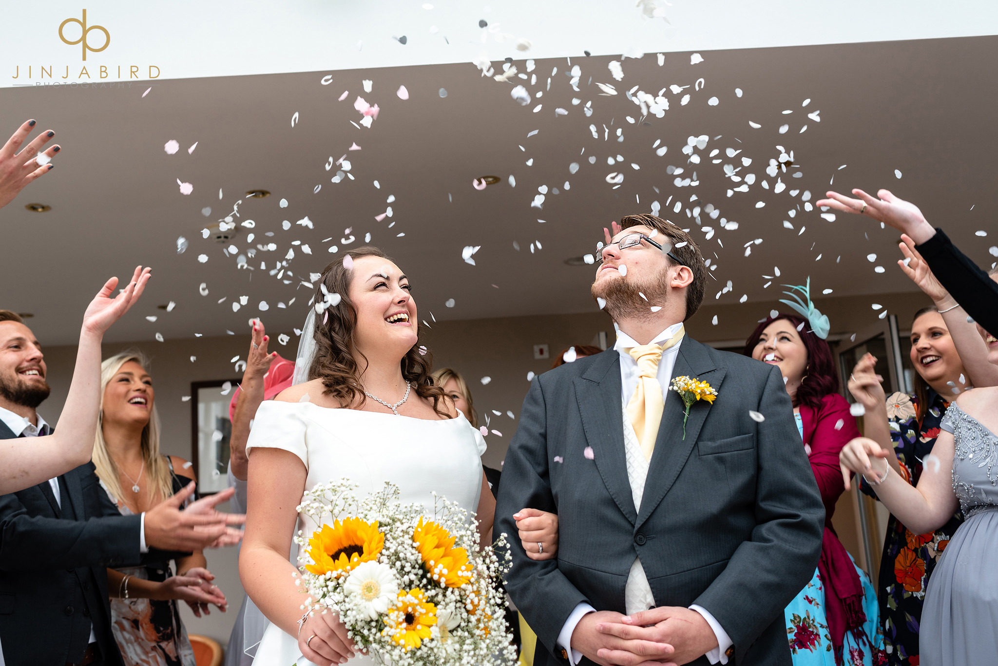 wedding confetti hellidon lakes