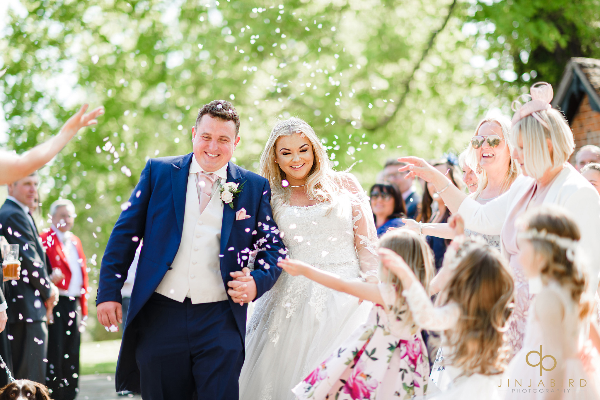 wedding-confetti-stoke-place