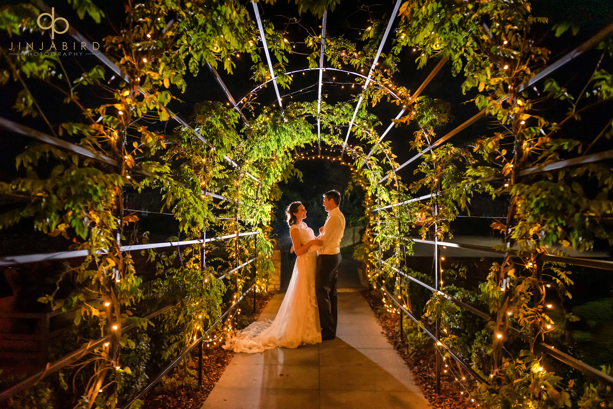 wedding photographer milling barn