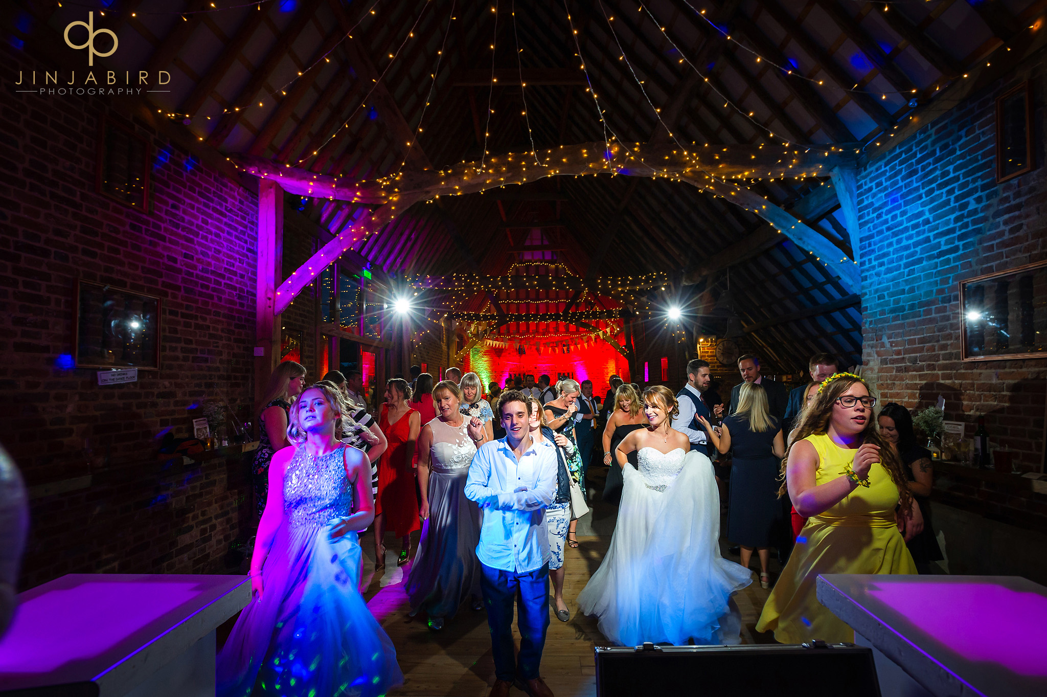 wedding photographer thatch barn