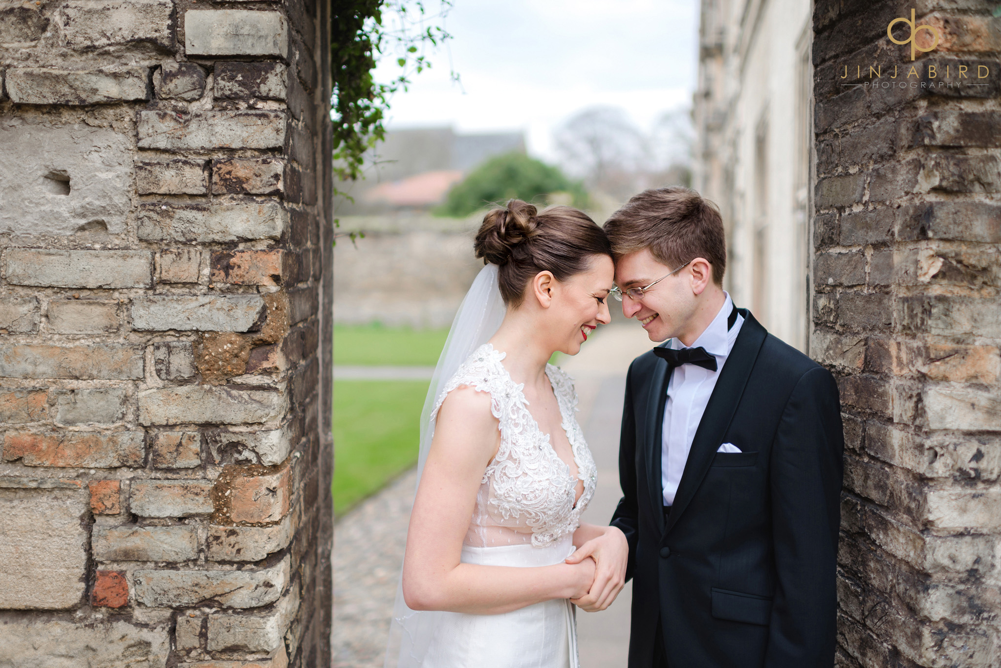 wedding photos magdalene college cambridge