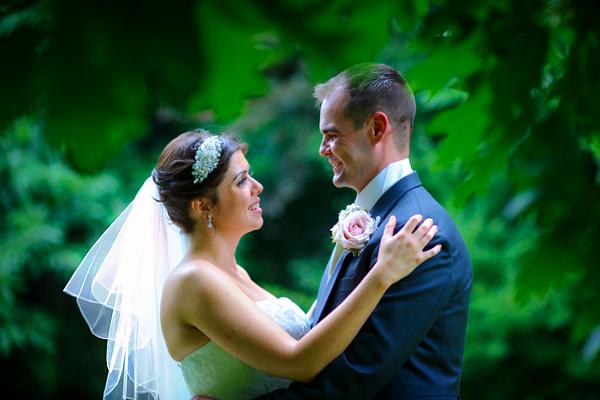 Shendish Manor Wedding Photography – Hannah & Dan