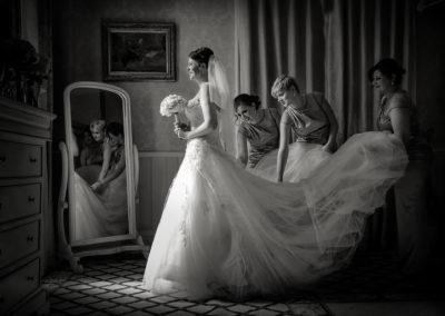 bride-getting-ready-shendish-manor