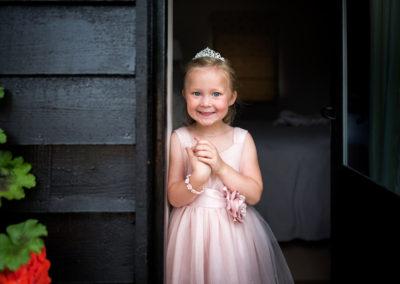 bridesmaid-in-doorway