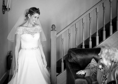 grandmother-see-bride-for-first-time